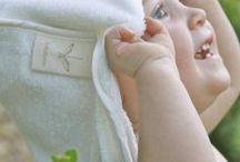 Sortie de bain à capuche - Bébé / Naissance - LULLAHOOBATH / Cape de bain bébé et naissance pour sécher la peau délicate de votre bébé à l'heure du bain. Cadeau naissance.   - Toucher très doux et soyeux - Épaisse, Absorbe 3 fois plus d'eau que le coton. - Hypoallergénique, antibactérienne, antifongique, qualités isolantes - Ecologique, biodégradable. - Couleur : Naturel - Taille : 75 x 75 cm - Composition : 70% viscose de Bambou, 30% coton. - Certification Oekotex©. - Lavable en machine à 30ºC