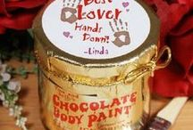 Valentines Day Sexy Chocolate Body Paint 2016 / Chocolate body paint gives a whole new meaning to the phase 'Chocolate Lovers'.  You can use chocolate body paint in what ever way your imagination takes your fancy. Fun and flirty, it is a great Valentines gift for him idea, or for her as well.