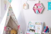 Kids reading nook ideas / Secret hidey holes where you can crawl into a good book or twelve.