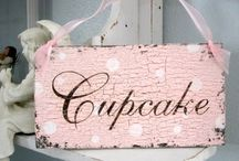 Baking / Beautiful sweet cupcakes...