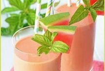Weight Loss Smoothies / Delicious weight loss smoothies to boost your metabolism, burn fat and help you lose the pounds fast.  Learn more at enjoysmoothies.com