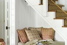 Living Room Decorations & Ideas / by Diane Menard
