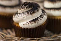 CUPCAKES - MAGDALENAS - MUFFINS -  MADELAINES  / by Lorena