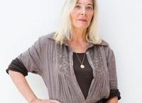 Daphné Du Barry / Linguista, letterata, musicista e scultrice di fama mondiale. Legata allo stile classico, Daphné Du Barry sorprende per l'ampia varietà dei temi, mantenendo nel tempo uno stile uniforme in cui si riconosce l'armonia dei corpi e il culto per le belle proporzioni