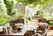 Summer tables / Summer time tables, inside and out! Summer tables to delight the senses!