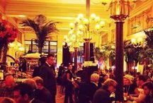 Ambiance  / Du dîner en amoureux au repas d'affaires en passant par le festin de gala vous serez toujours bien accueilli au Grand Colbert