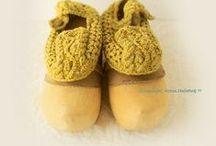 Обувь рукодельная ~ shoes and accessories for feet / Женские ноги счастливы только в обувном магазине. Рамон Гомес де ла Серна