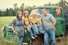 Family Photos / Clever ideas for fun and unique family photos.