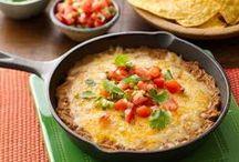 Dips & Salsas / Diese leckeren Dips und Salsas pimpen jedes deiner mexikanischer Lieblingsgerichte auf und dürfen auf keiner mexikanischen Fiesta fehlen!