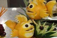 FOOD & FRUIT ANIMALS / Kunstsnijwerk in de vorm van dieren.