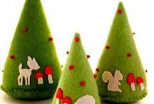 felt tree and felt christmas ornaments
