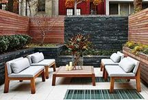 courtyards / courtyards and small garden spaces, private courtyards, modern courtyards, urban courtyards, townhouse gardens, townhome courtyards