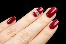 Crystals & rhinestones / Niitein, strassein ja kristallein koristeltuja kynsiä