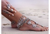 BAre fOoT sAndALs