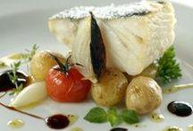 Peixes e Frutos do Mar | Fish and Seafood / Peixes dos mais diversos tipos, bacalhau, camarão, lula e outros frutos da mar. Veja os principais pratos de peixes aqui!