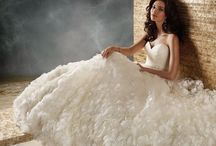 Wedding Dresses & Rings / by Kristin Villalovos