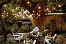 Backyard Inspiration / Landscaping and patio decorating ideas for a beautiful yard that makes you want to spend every evening under the stars.