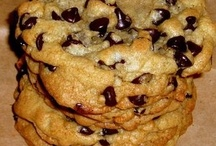 Recipes - Cookies, Biscuits, Brownies, Bars & Tray-Bakes / by Jen Hughes