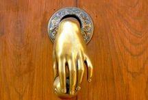DDZ . doorcknockers