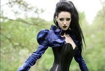 WOMAN - Goth