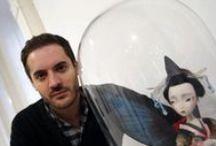 Benjamin Lacombe / Ilustrador y autor Francés nacido el 12 de julio de 1982 en París, donde actualmente vive y trabaja. Sus ilustraciones se destacan por un estilo caricaturesco que denotan elegancia, fragilidad y melancolía