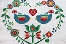 IGŁĄ I...: haft krzyżykowy ptaki