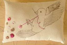 IGŁĄ I...: haft płaski ptaki