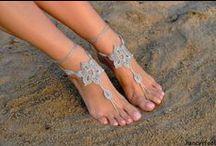 On habille les pieds et les chevilles