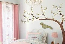Toddler room with a nature theme / Small Bedroom ideas for a two year old, small room with need for toy storage.