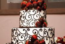 Awesome Cakes/Cupcakes & Cookies / Professionally decorated cakes, cupcakes and cookies.