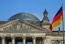 Berlin Vacation Ideas / This once divided city is now alive with the beat of a modern and forward thinking destination. Berlin offers visitors and travelers the opportunity to see a wide swath of history, beautiful European architecture and a delicious food scene. Here are some ideas of what to see and do on your trip to Berlin.