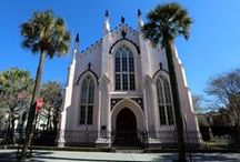 Charming Charleston Vacation Ideas / The pearl of the American South, this lovely city offers everything from great food and historic sights, to a bustling night life and a city beat. Whatever kind of vacation you're looking for -- this American city can offer it. Check out a few of our favorite places to see and things to do from around town.