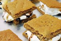 WE WANT S'MORES / Did you know that the modern S'mores recipe was invented by Girl Scouts? And oh how they have evolved since...