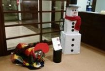 Christmas 2015 / Christmas has arrived in the Library. You can feel it in the air and see it in the decorations. Have you seen our funny Snowman? Don't miss out, come and participate!