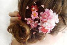 Rødmende favoritter / Blomster i håret og rødmende kinn...