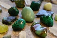Green Crystals and Stones / Green gemstones  and pink gemstones carry powerful energies of growth, the desire to excel and expand, balance and transformation. Green crystal jewelry is also used to attract money, prosperity and wealth. Place green gemstones around your home or office when you want to bring balance, growth and the energy of nature into your environment.