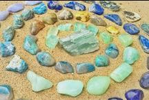 Blue Crystals and Stones /  Blue gemstones promote spiritual awakening, serenity and tranquility. Using blue stones, especially when you are under stress, is said to surround you with calming, soothing energies to relieve stress and calm the mind. They can be used to reopen the energetic flow in areas that are blocked, encouraging you to relax, open up communication and find inner peace.