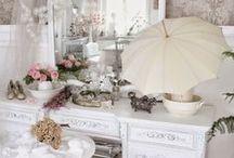 kobiecy buduar / romantyczny pokój, cichy kącik, falbanki, kwiatki, różyczki, biele, różowości, niebieskości, fiolety......