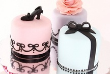 Mini Cakes / by Anna Floresca Bedell