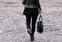tyylijutskui / classy but edgy! nahka, pitsi, neuleet, bleiserit, bikertakit, buutsit, statement-kaulakorut, hyvin istuvat mustat pillit, ohuet mustat sukkikset, maksihameet, lyhyt hame + neule -kombot, overknee-saappaat, tolppakorot, tummat kynsilakat, näyttävät kellot, yksinkertaiset paidat joissa on joku juju (esim. avonainen selkä)...