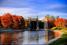 Fall For Peterborough & the Kawarthas / Turn over a new leaf in Peterborough & the Kawarthas. There's so much to do besides seeing the amazing foliage turn.
