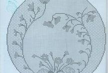 Doilies, motifs / Crochet doilies, most with charts