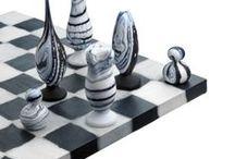 """Chess / Šachové figúrky majú nekonečné možnosti dizajnu, takže som pre """"Chess"""" urobila jednu špeciálnu nástenku. :)"""