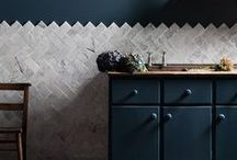 KITCHENS / Our extensive range of natural stone, porcelain & decorative tiles are the perfect solution for your kitchen. Rustic and modern, floor and walls, there are options to suits all styles and budgets. www.mandarinstone.com / by Mandarin Stone