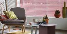 Raambekleding   Houten jaloezieën / Of ze nou open staan of dicht, houten jaloezieën zorgen voor sfeer in uw interieur.
