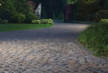Pavers & Stone - Cobbles & Random / Evoking images of yesteryear, of cobbled streets and horse-drawn carriages, of charm and elegance, cobbles and random flag pavers add distinction and character to any courtyard, path or driveway.