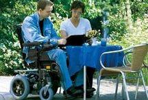 Sillas de Ruedas Eléctricas / Descubre las mejores sillas de ruedas eléctricas del mercado en nuestra ortopedia online. Si necesitas una silla de ruedas para interior, para exterior o para moverte tanto dentro como fuera de casa, aquí la encontrarás. Ponte en contacto con nuestra atención al cliente si necesitas algún tipo de asesoramiento.