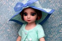 Dolls! / A childhood passion extended in a virtual collection / by Elize Bokelman