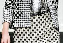 Patterns, geometric motifs / Vonalak, csíkok, ívek, kőrök, pöttyök, kockák, szinek
