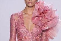 2014  Evening  fashion / 2014- ben a szines, lágyesésű , romantikus alkalmi ruhák a divatosak.